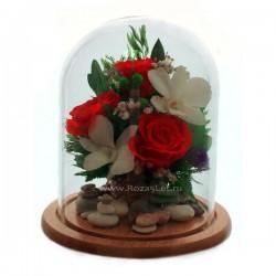 Розы и орхидеи в колбе