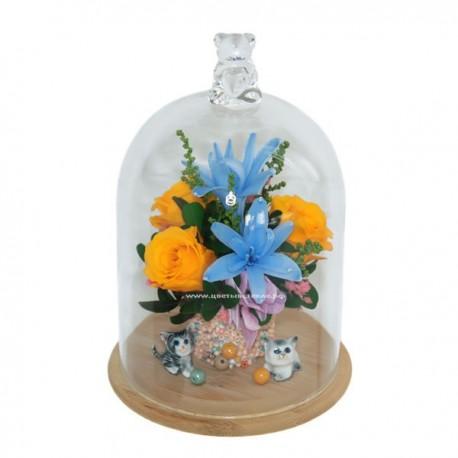 99_22 цветы в стекле с игрушкой