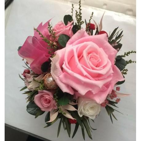 стабилизированные розы в шляпной коробке